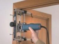 Как закрепить дверную коробку